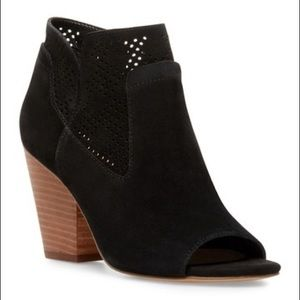 New Steven Steve Madden Ready open toe booties 9